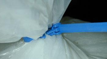Collier de serrage réutilisable avec tête plastique